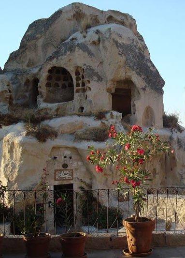 жизнь в пещерах Гёреме