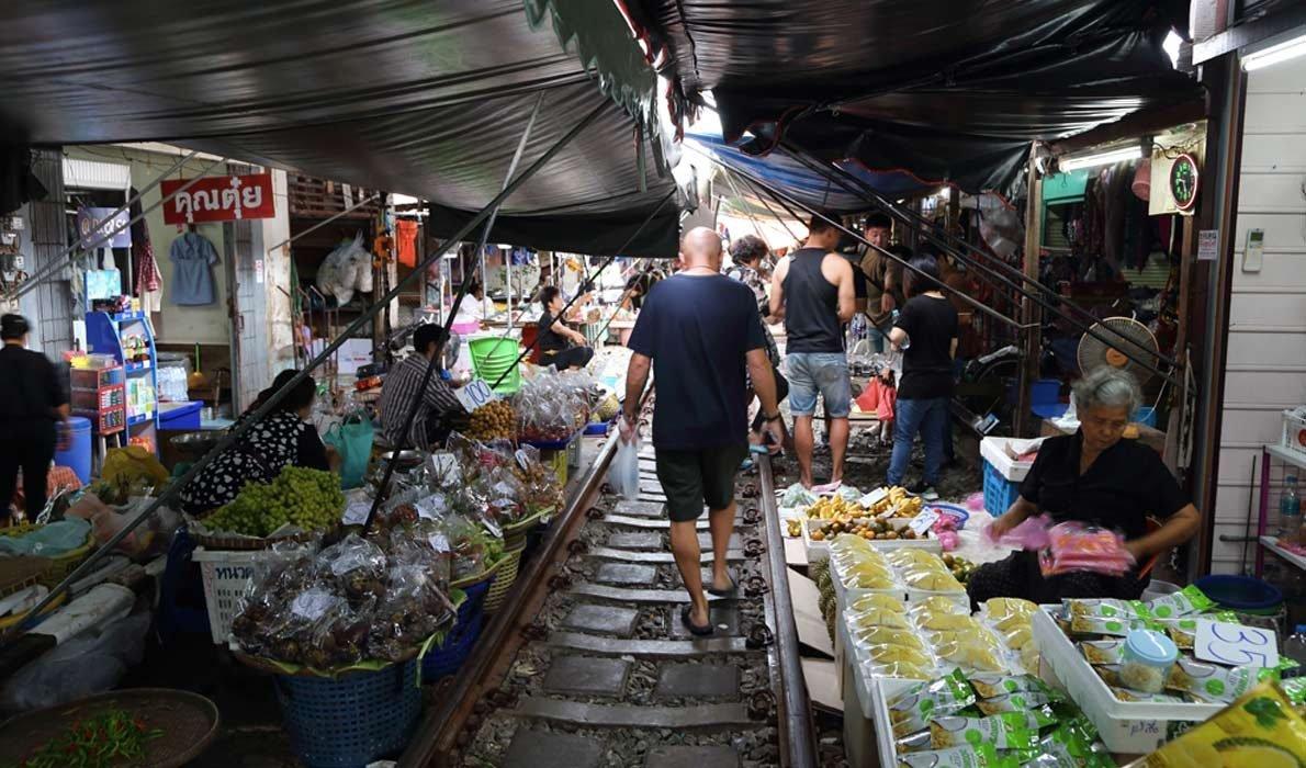 Рынок Меклонг