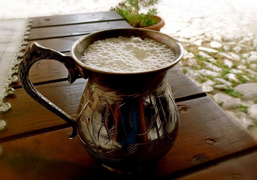Айран, традиционный напиток в турции