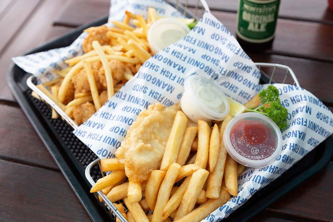 Новозеландский фаст-фуд - рыба с картошкой фри (fish and chips)