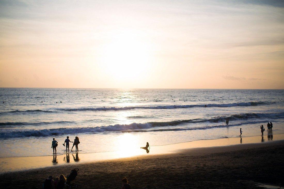 Пляжная жизнь - пляж Брава
