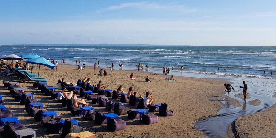 Бату Балонг — центральный пляж Чангу