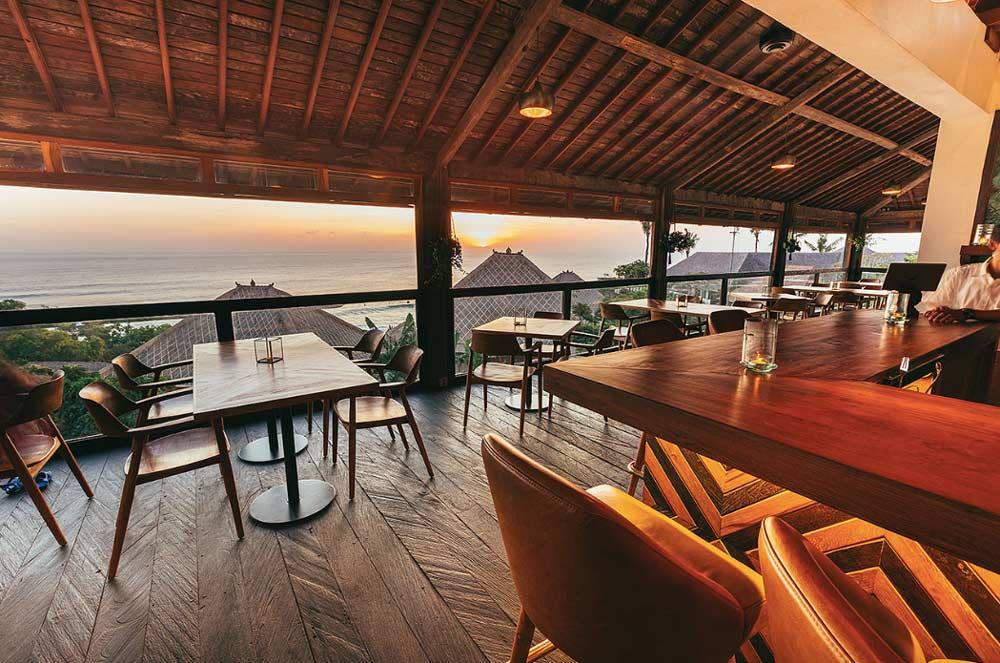 Mana Uluwatu Restaurant & Bar