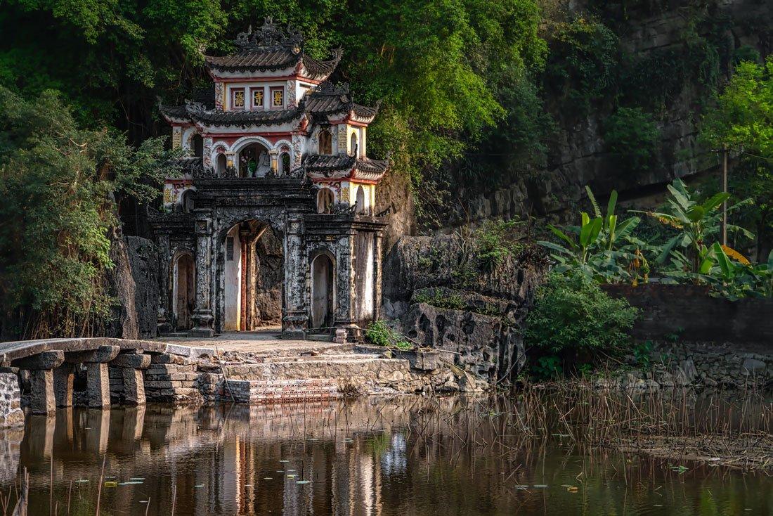 Скальная пагода Bich Dong