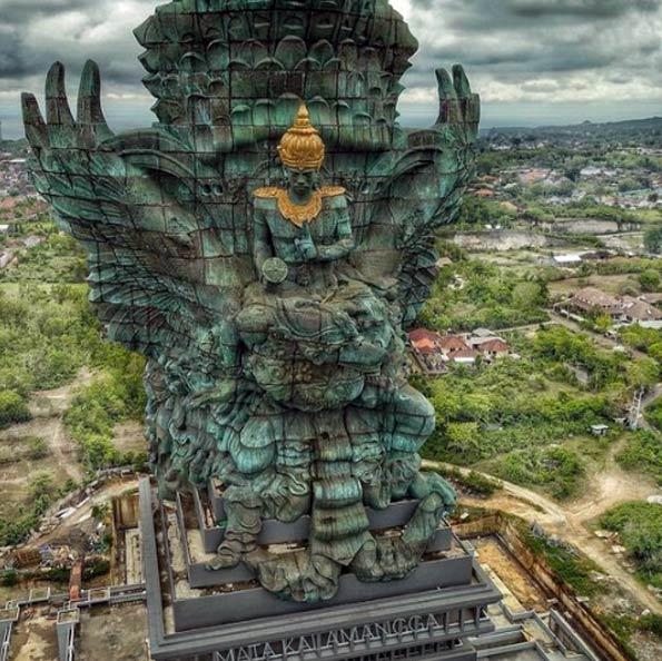 Cтатуя Вишну